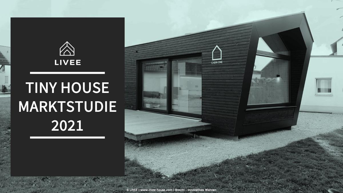 Das Bild zeigt das Titelbild der Tiny House Marktstudie 2021. Zu sehen ist ein Modulhaus auf einem Grundstück
